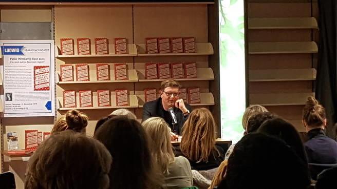 Peter Wittkamp liest in Köln aus seinem neuen Buch. Linus Volkmann war im Publikum. Peters Mama auch.