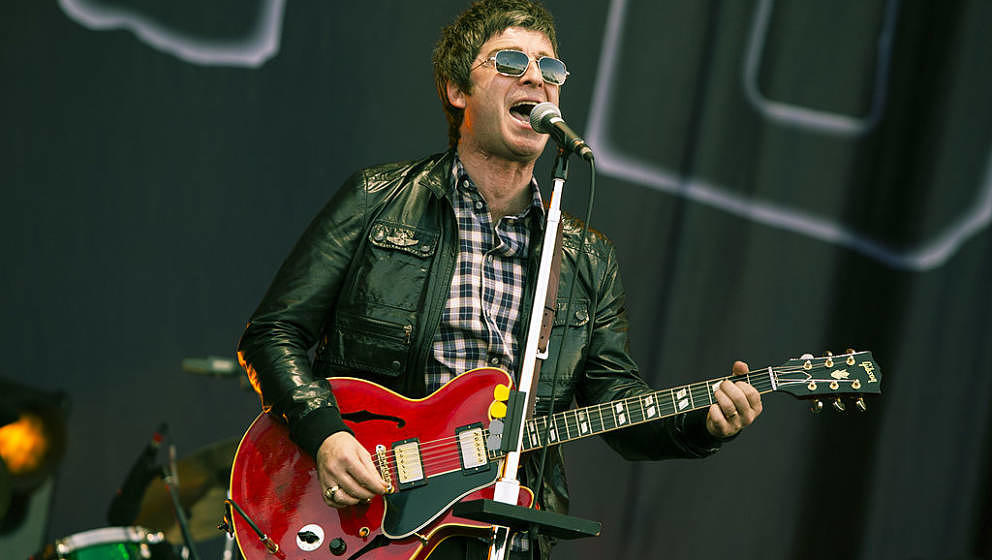 NEWPORT, ISLE OF WIGHT - JUNE 24:  Noel Gallagher performs with Noel Gallagher's High Flying Birds perform at the Isle Of Wig
