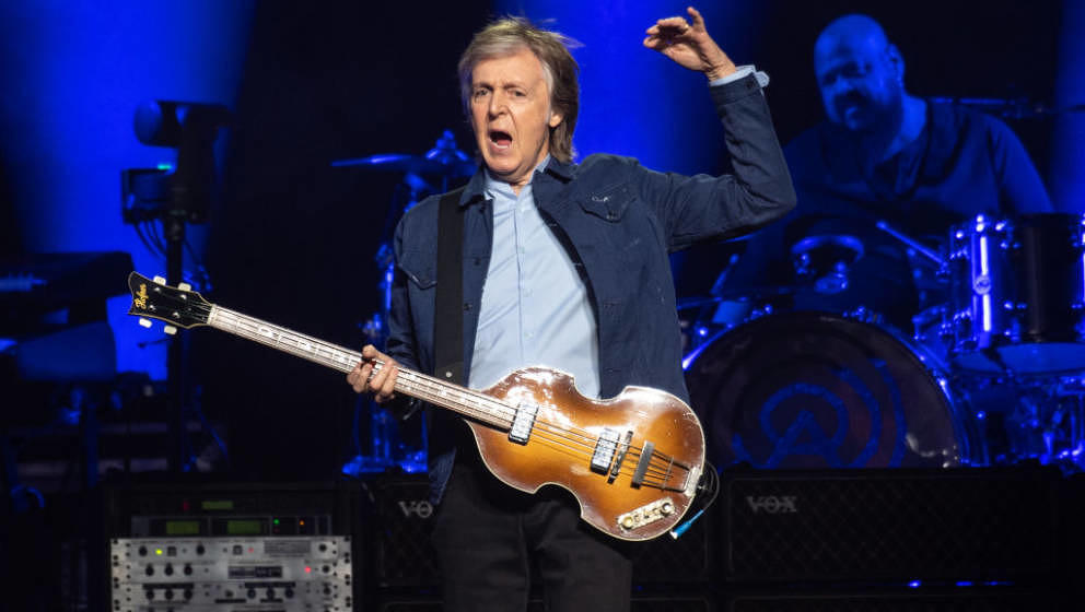 GLASGOW, SCOTLAND - DECEMBER 14: (EDITOR'S NOTE: Editorial use only) Sir Paul McCartney performs on stage at The SSE Hydro on