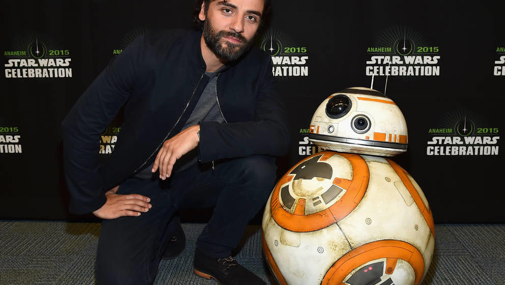 ANAHEIM, CA - APRIL 16:  Actor Oscar Isaac attends Star Wars Celebration 2015 on April 16, 2015 in Anaheim, California.  (Pho