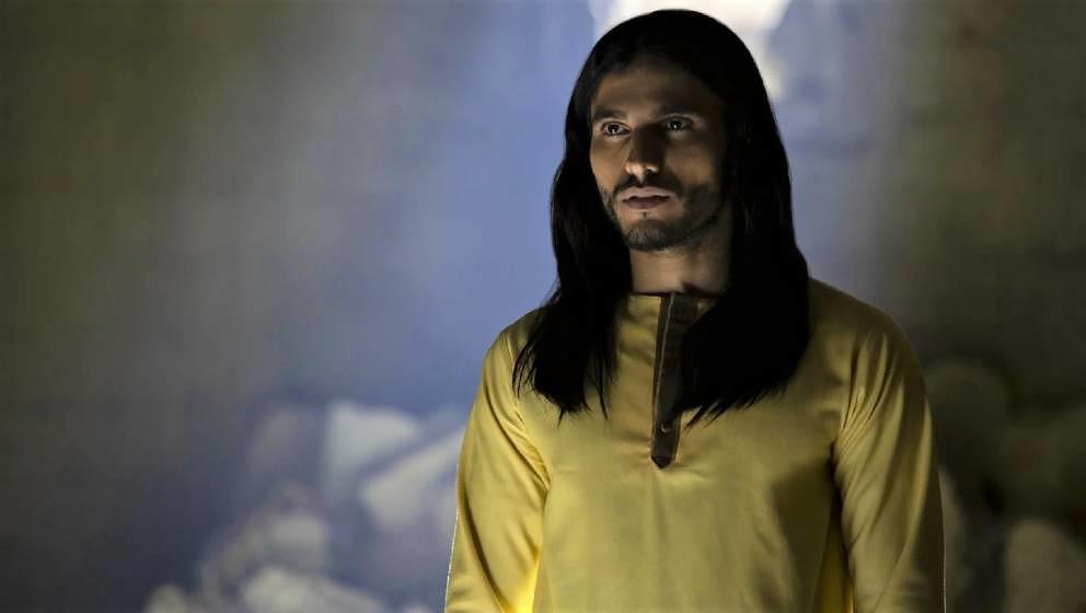 """Ist charmant, wählt seine Worte weise, sieht gut aus – und hat Ähnlichkeit mit Jesus Christus, wie man ihn sich so vorstellt: Al-Masih in """"Messiah"""", gespielt vom belgischen Schauspieler und Theaterregisseur Mehdi Dehbi"""