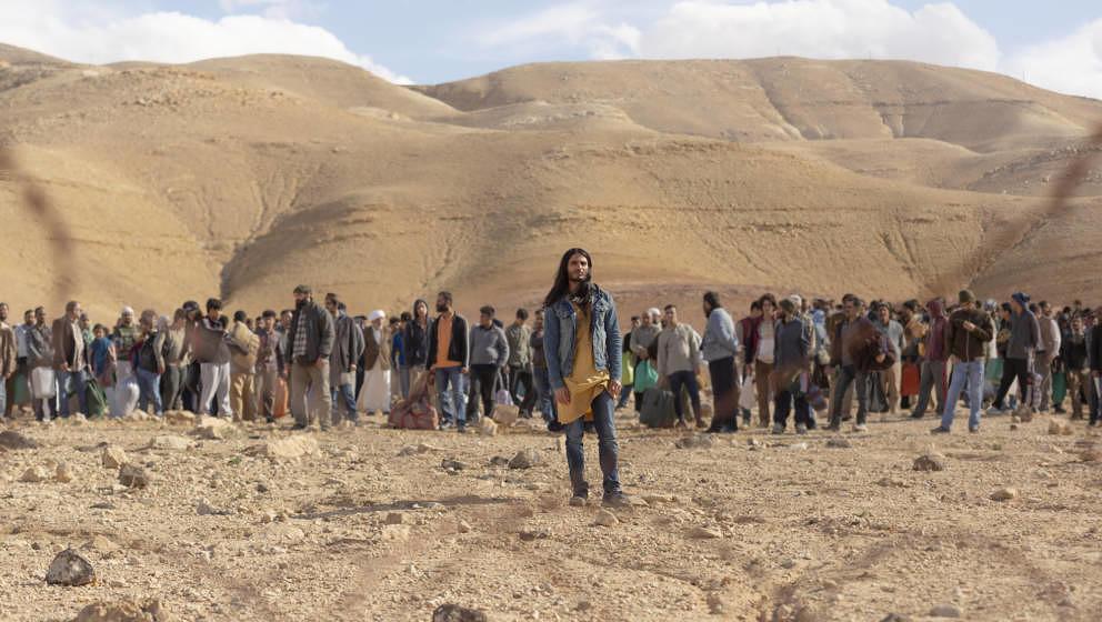 """Jesus, Antichrist oder Rockstar? Mehdi Debhi als Al-Massih in der neuen Netflix-Serie """"Messiah"""""""