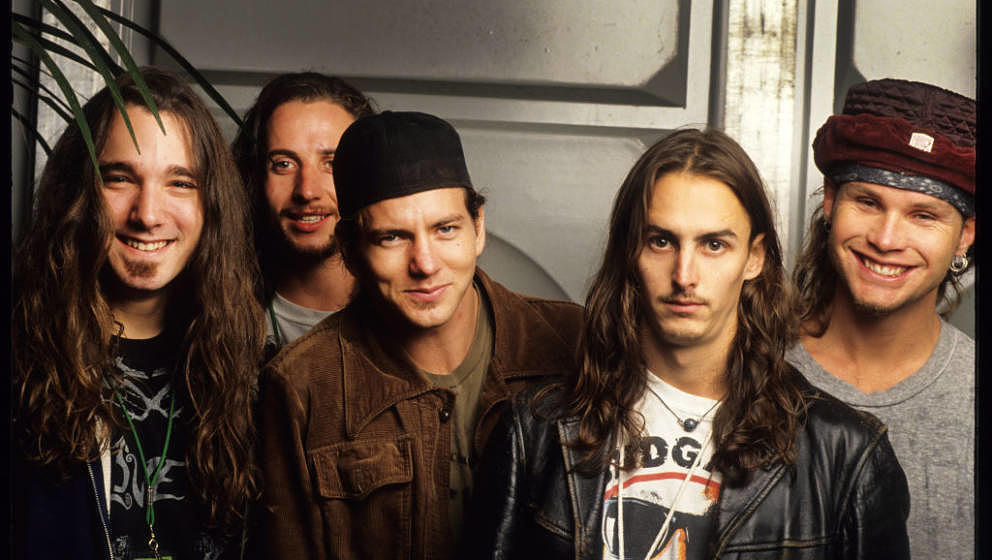 Pearl Jam, Eddie Vedder, Mike McCready, Jeff Ament, Stone Gossard, Dave Abbruzzese, Pinkpop Festival, Landgraaf, Holland, 08/