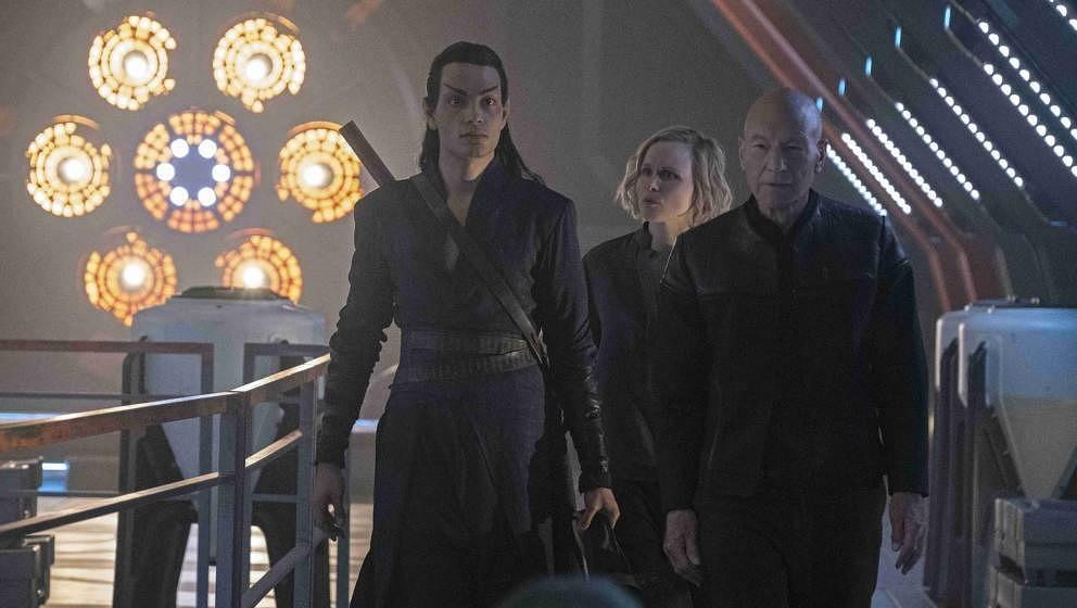 Pictured (l-r): Evan Evagora as Elnor; Alison Pill as Dr. Jurati; Patrick Stewart as Jean-Luc Picard; of the the CBS All Acce