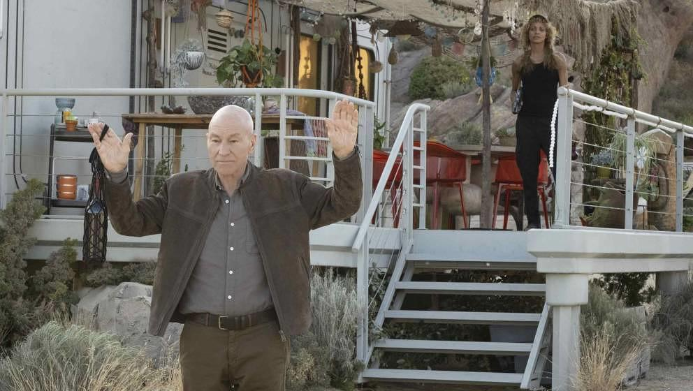 Patrick Stewart als Picard und Michelle Hurd als Raffi in 'Star Trek: Picard'