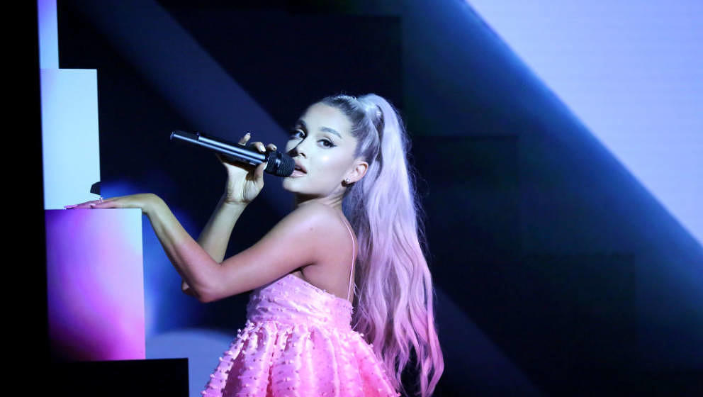 THE TONIGHT SHOW STARRING JIMMY FALLON -- Episode 0862 -- Pictured: Singer Ariana Grande performs 'No Tears Left To Cry' on M
