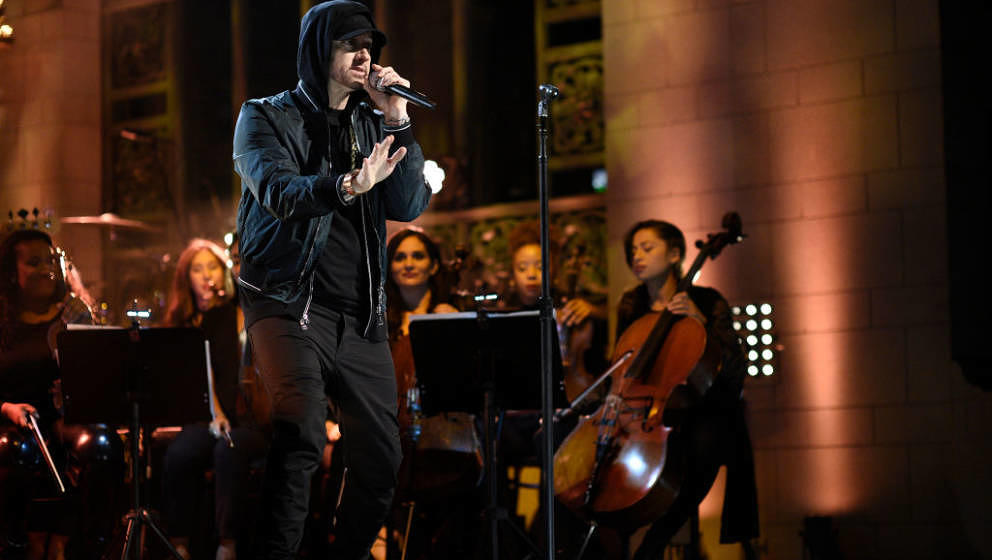 SATURDAY NIGHT LIVE -- Episode 1731 -- Pictured: Eminem performs a Medley in Studio 8H on Saturday, November 18, 2017 -- (Pho
