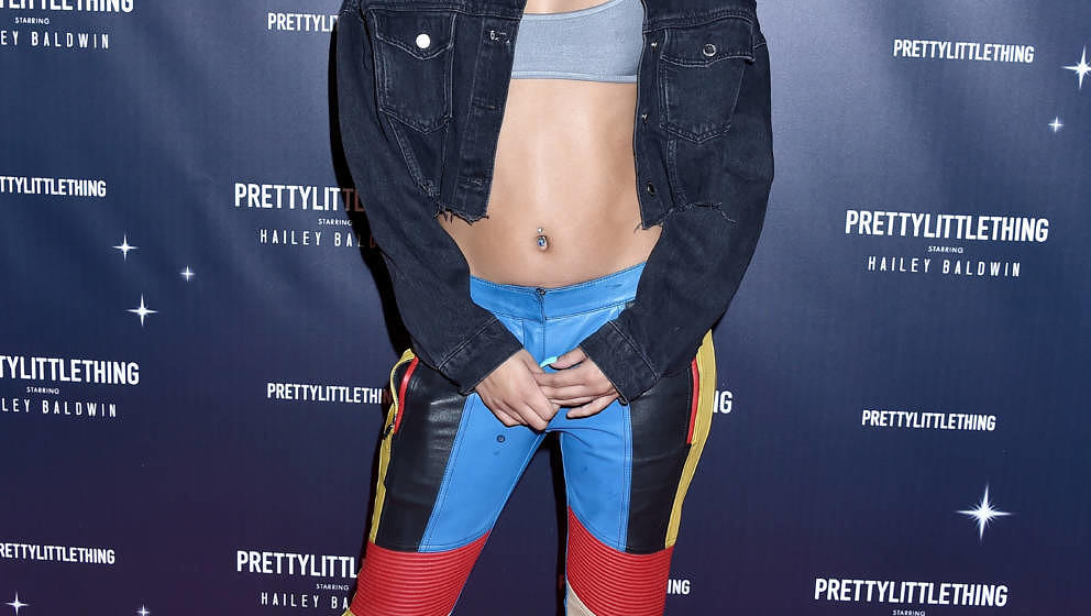 WEST HOLLYWOOD, CA - NOVEMBER 05:  Lexii Alijai arrives at PrettyLittleThing X Hailey Baldwin at Catch on November 5, 2018 in