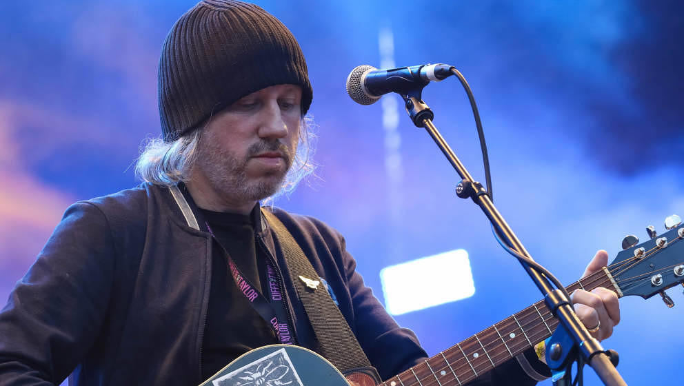 SCARBOROUGH, ENGLAND - AUGUST 18: Badly Drawn Boy performing as support for James at Scarborough Open Air Theatre on August 1