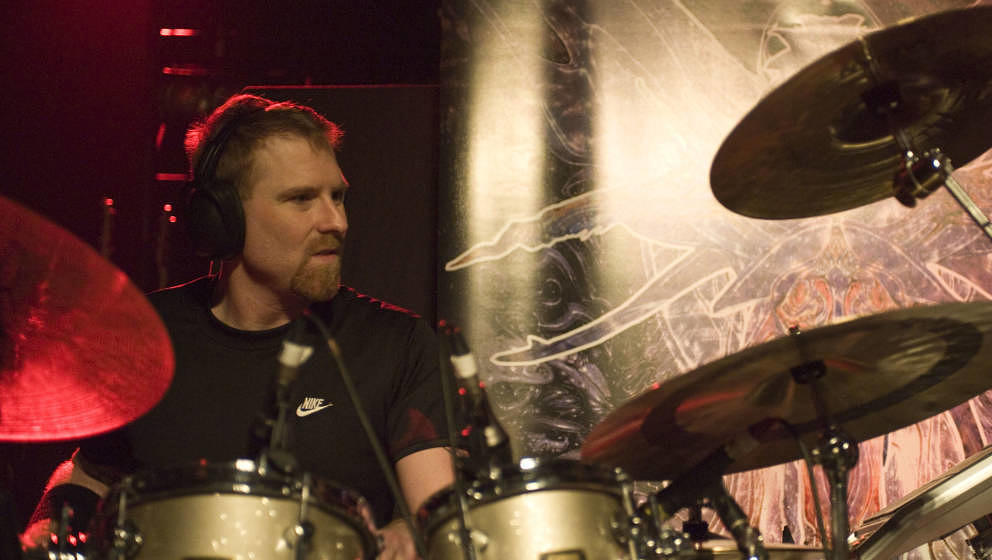 Sean Reinert, Metal-Drummer bei Cynic und Death, starb am 24. Januar 2020 im Alter von 48 Jahren. Die Todesursache war vorerst nicht bekannt.