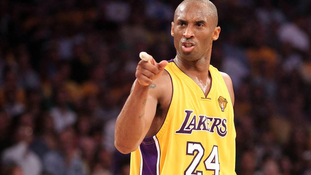 NBA-Superstar Kobe Bryant, hier im Jahr 2010 bei einem Spiel seiner Los Angeles Lakers gegen die Boston Celtics, starb am 26. Januar 2020 mit 41 Jahren durch einen Hubschrauberabsturz