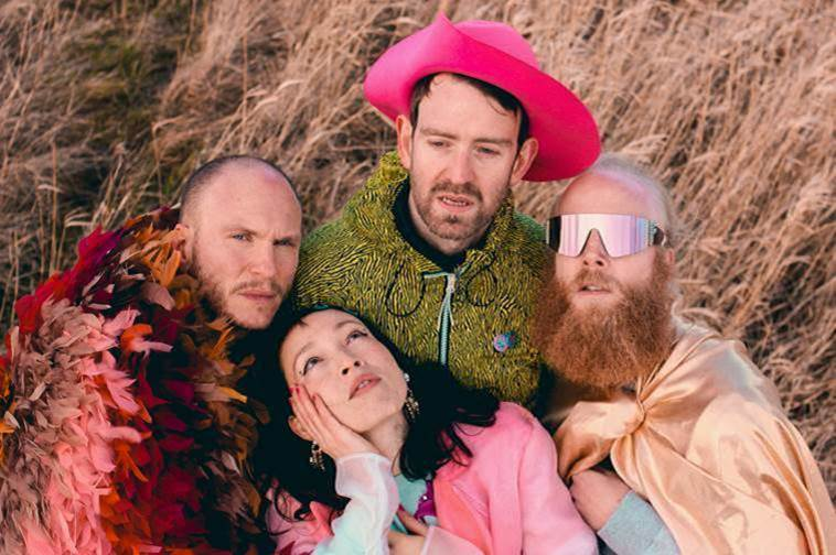 Mit neuem Album, neuer Single und großer Tour am Start: Little Dragon.