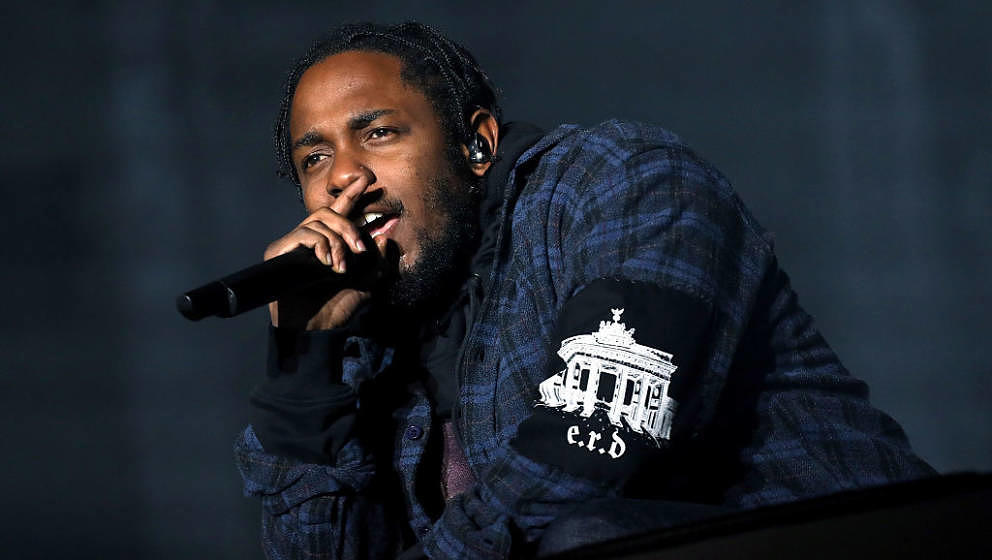 AUSTIN, TX - OCTOBER 01:  Recording artist Kendrick Lamar performs on the Samsung Stage during day two at Austin City Limits