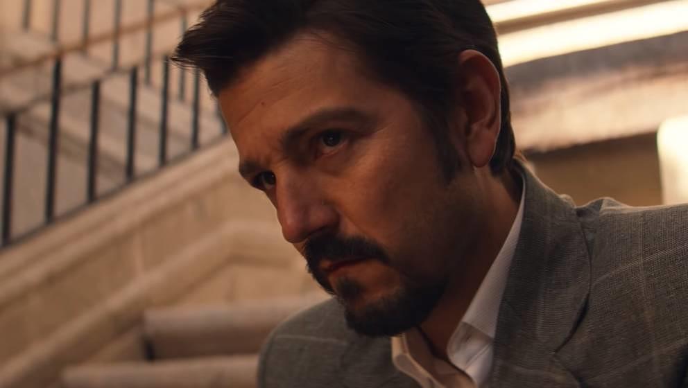 """Diego Luna als Kartellboss Miguel Ángel Félix Gallardo in der zweiten Staffel von """"Narcos: Mexico""""."""