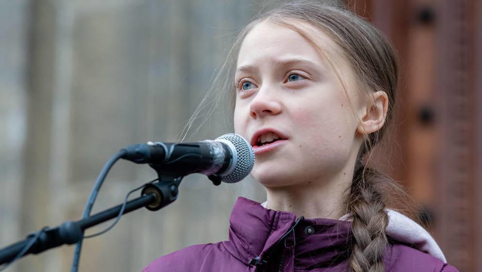 Greta Thunberg wird für ein mehrteiliges Format bei ihren Reisen mit der Kamera begleitet.