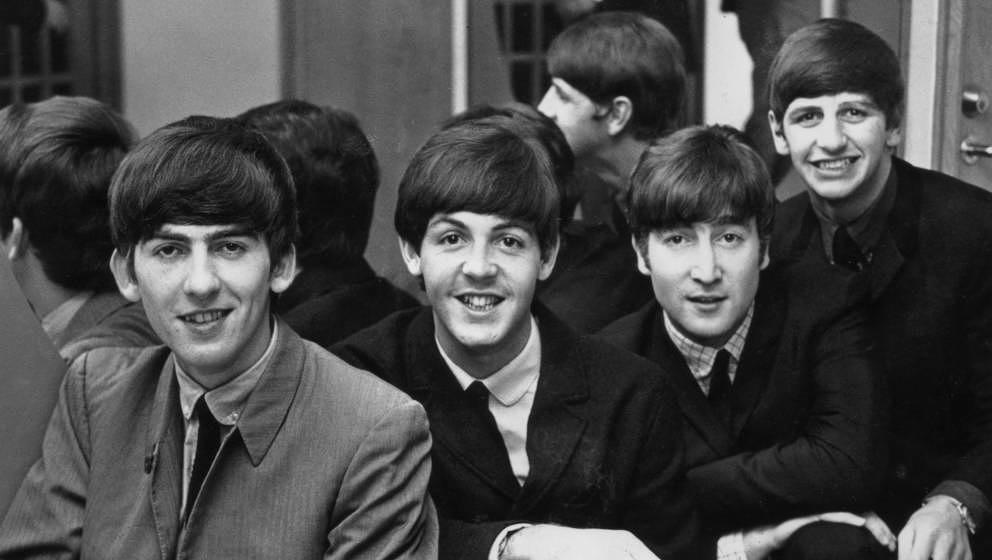 1963:  British pop group The Beatles, from left to right: George Harrison (1943 - 2001), Paul McCartney, John Lennon (1940 -