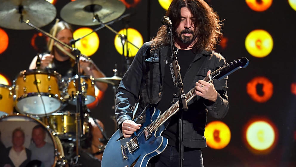 LOS ANGELES, CALIFORNIA - JANUARY 24: Dave Grohl of music group Foo Fighters performs onstage during MusiCares Person of the