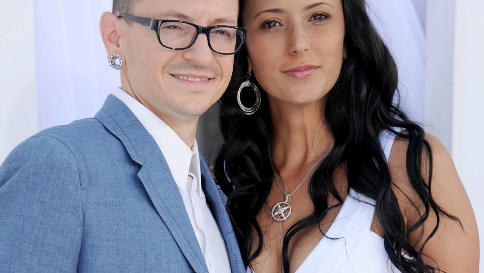 LAS VEGAS, NV - MAY 20:  Musician Chester Bennington of Linkin Park and wife Talinda Ann Bentley arrive at the 2012 Billboard