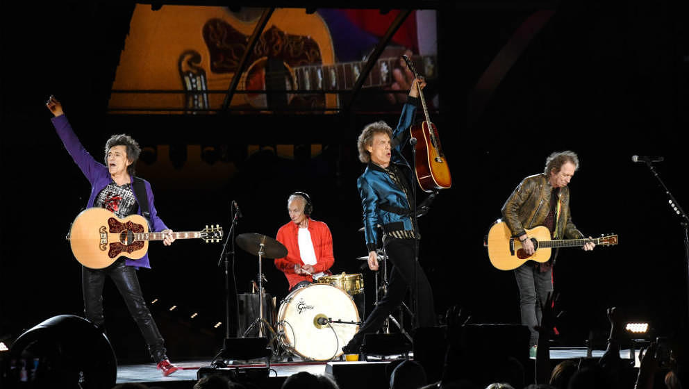 CHICAGO, ILLINOIS - JUNE 21: (L-R) Ronnie Wood, Charlie Watts, Mick Jagger, and Keith Richards perform onstage as The Rolling
