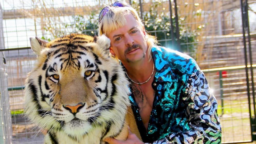 Joe Exotic mit einem seiner Tiger