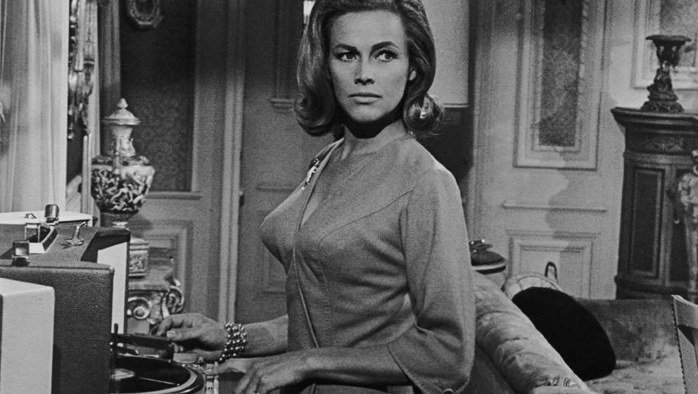 "Honor Blackman in dem Thriller ""Moment to Moment"" aus dem Jahr 1965."