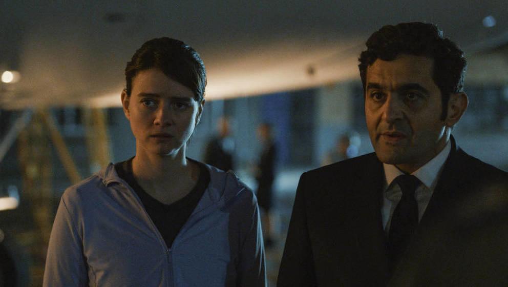 """Kapitäne des Nachtflugs: Pauline Etienne und Laurent Capelluto in """"Into The Night"""""""