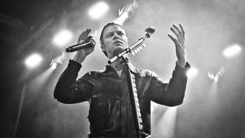Björn Dixgard mit Mando Diao live am 1. Dezember 2019 in der Berliner Columbiahalle