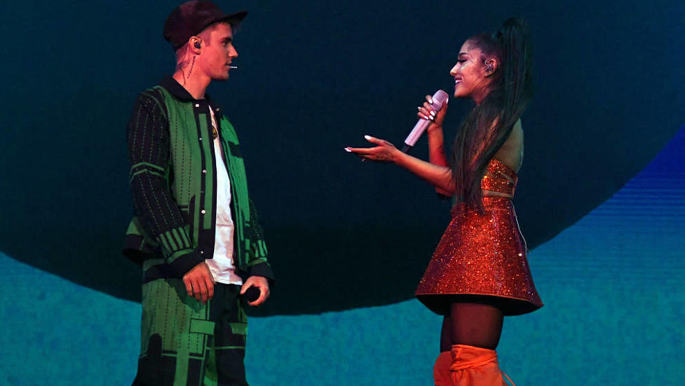 INDIO, CALIFORNIA - APRIL 21: Justin Bieber (L) performs with Ariana Grande at Coachella Stage during the 2019 Coachella Vall