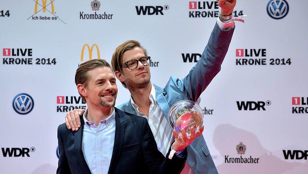 BOCHUM, GERMANY - DECEMBER 04:  Joko Winterscheidt (R) and Klaas Heufer-Umlauf (L) pose with the award during the 1Live Krone