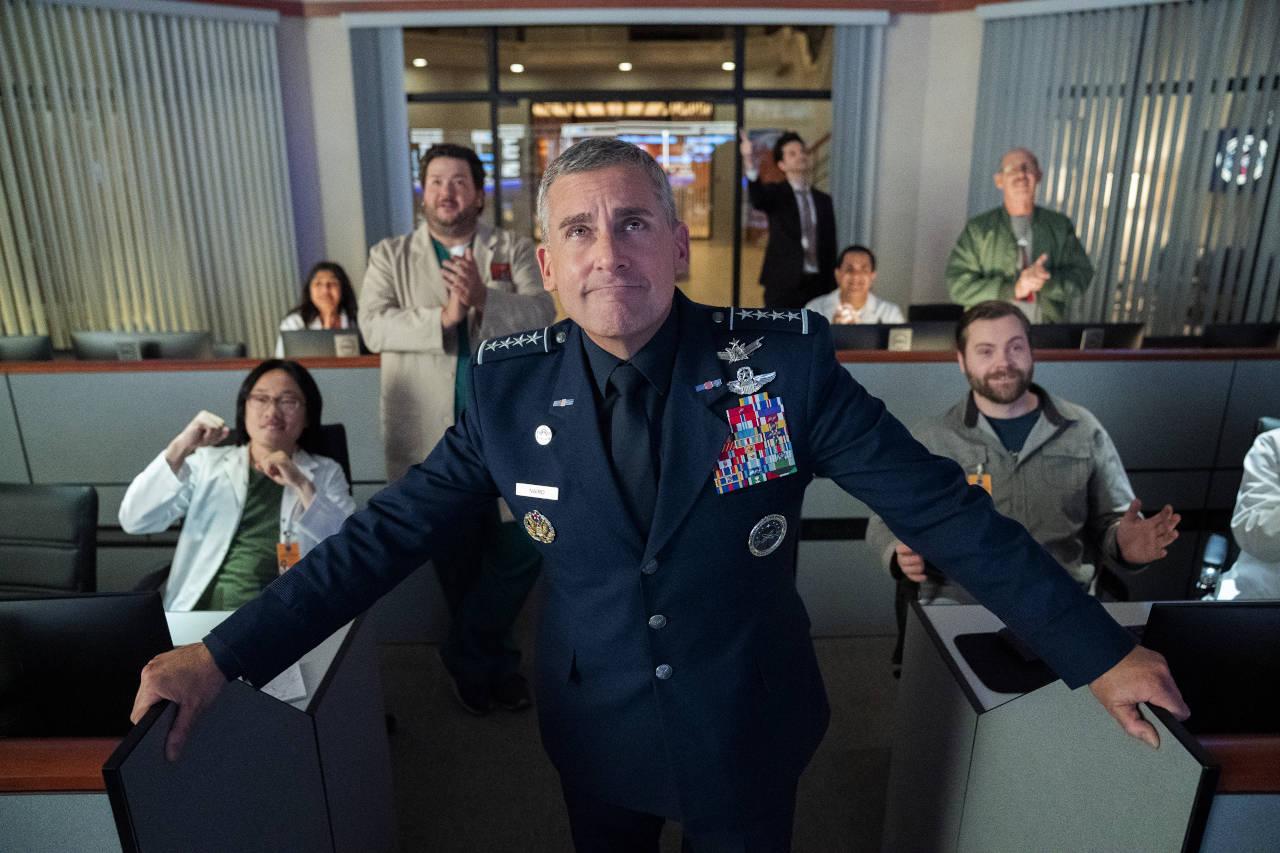 """""""Space Force"""" (Staffel 1) auf Netflix: Fragile Männlichkeit lässt grüßen"""
