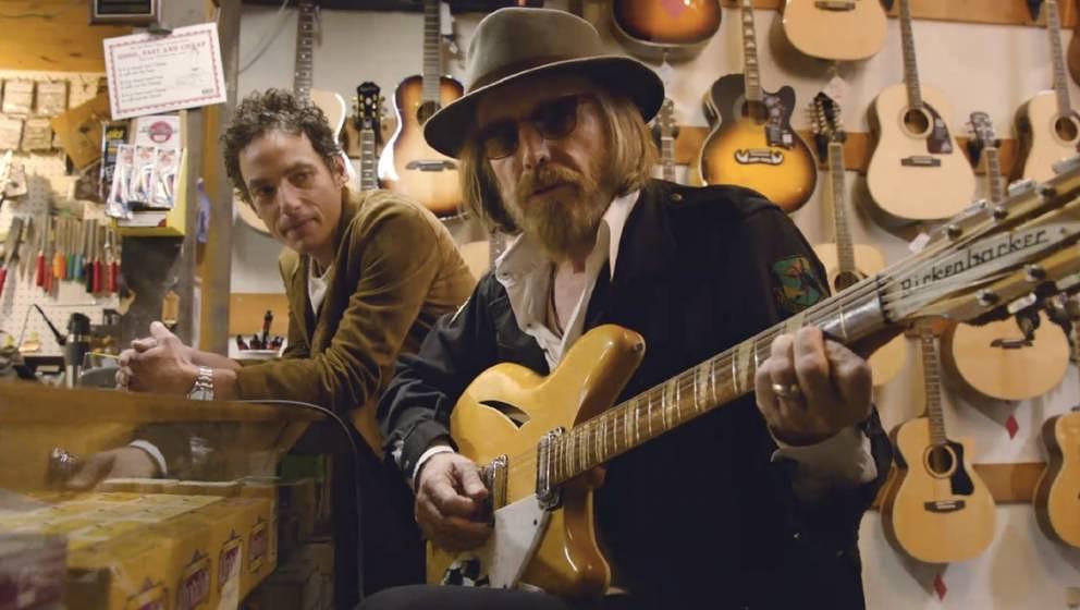 """In der Musikdokumentation """"Echo In The Canyon"""" kommen neben zahlreichen weiteren Musikern auch Tom Petty und Jakob Dylan"""