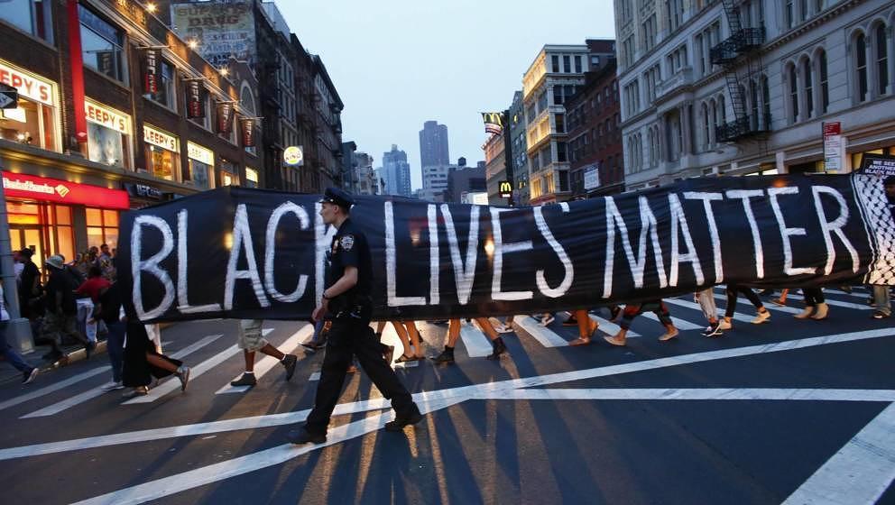 Nicht nur auf den Straßen wird Gleichberechtigung für Schwarze gefordert: Nach dem Blackout Tuesday der Musikindustrie soll