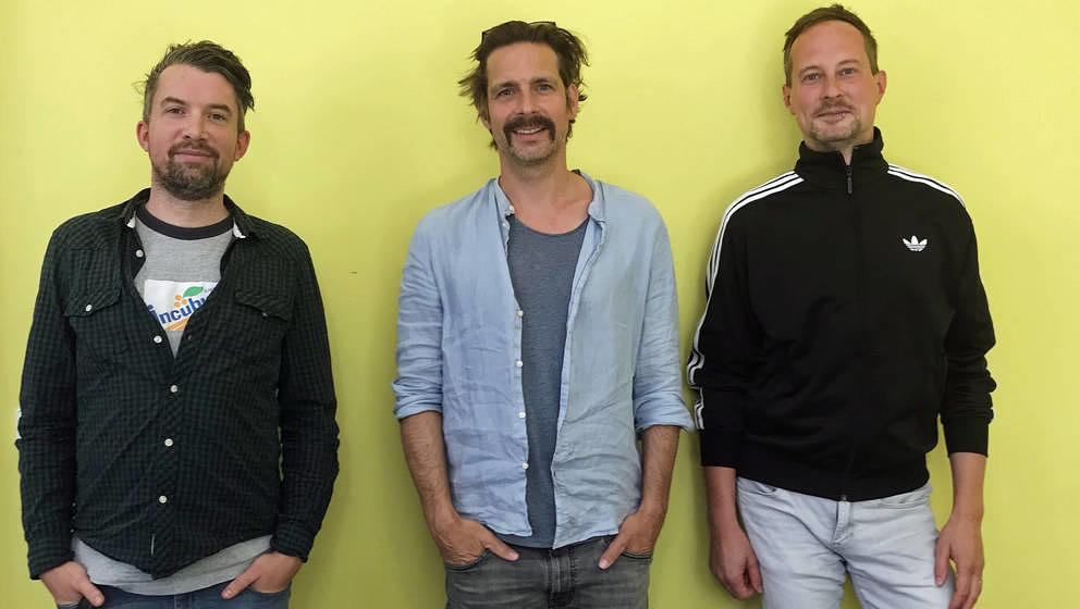"""Formed a band: Fabian, Wolfgang und Stephan nach der Aufnahme ihrer gemeinsamen Podcastfolge aka """"Never Forget Weezer"""""""