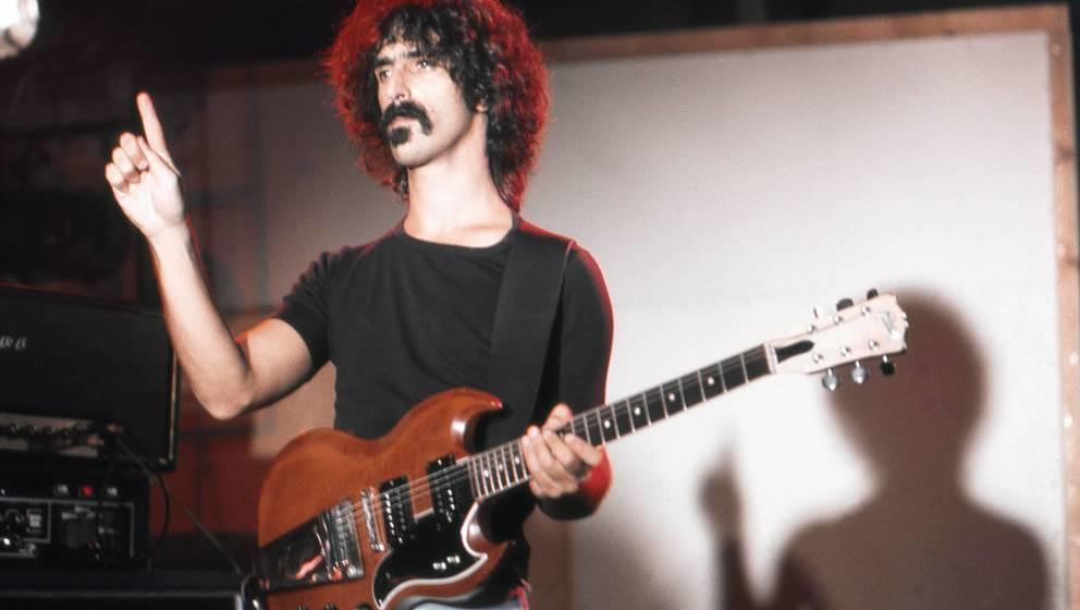 Frank Zappa im Jahr 1974 in seinem Studio in Los Angeles.