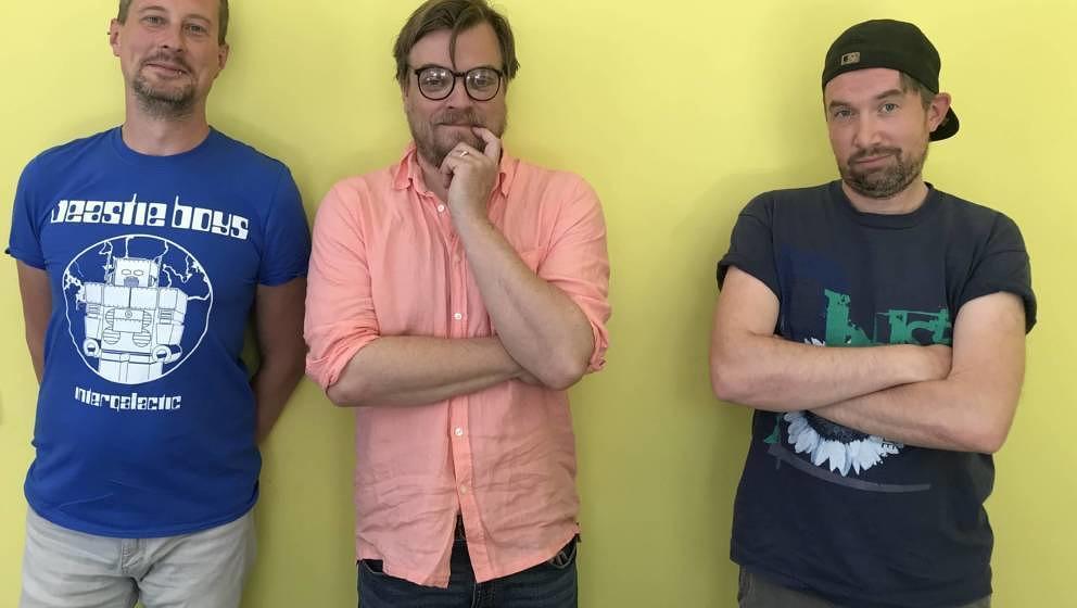 """Proben für Weezers gelbes Album: Stephan, Nilz und Fabian nach der Aufnahme der Grunge-Folge von """"Never Forget – der 90e"""