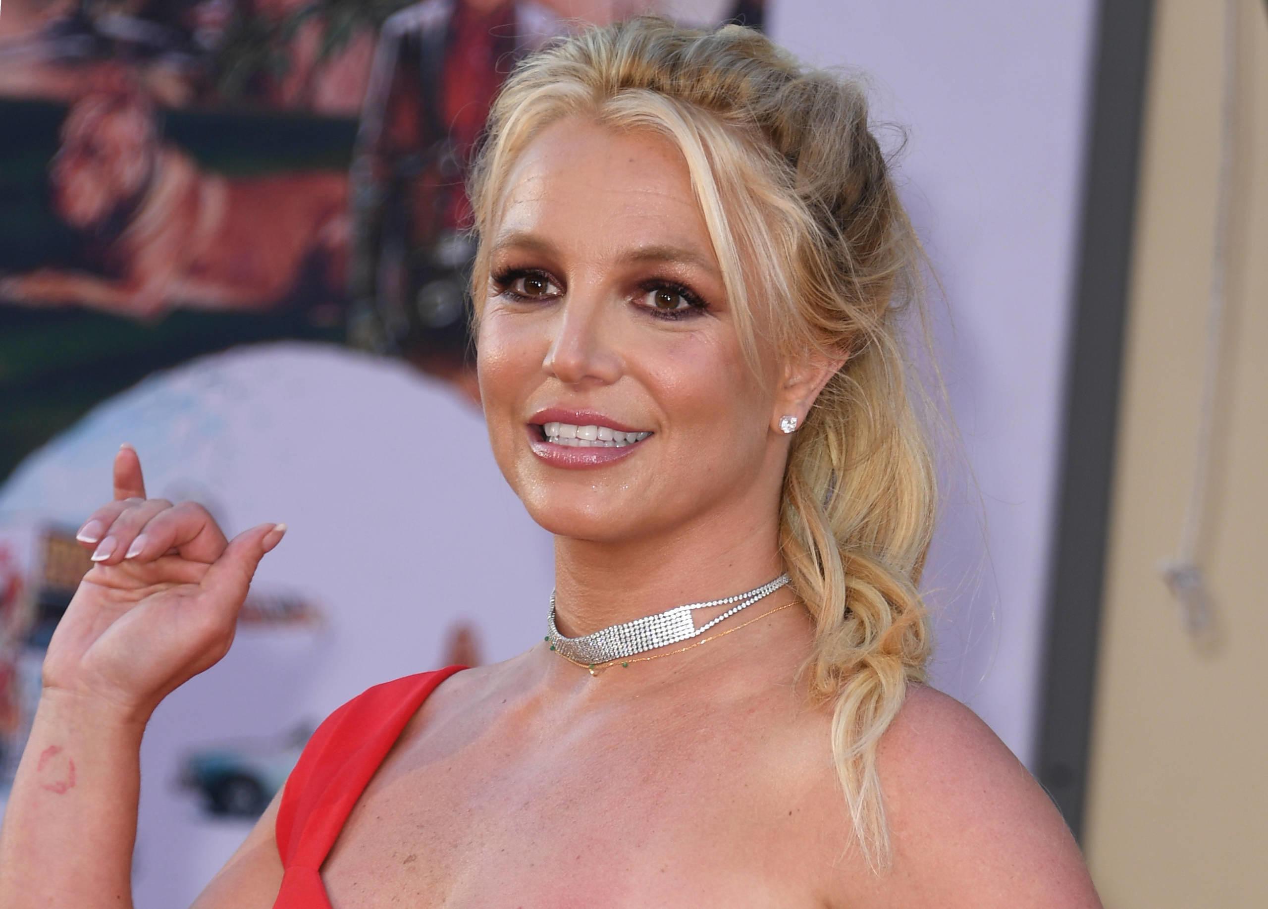 #FreeBritney: Alles, was Ihr über die virale Bewegung zur Befreiung von Britney Spears wissen müsst