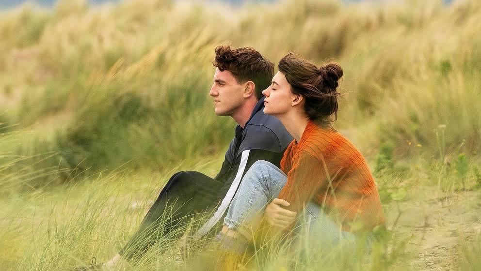 Im Laufe der zwölfteiligen Miniserie suchen Marianne (Daisy Edgar-Jones) und Connell (Paul Mescal) nach ihrem eigenen Weg