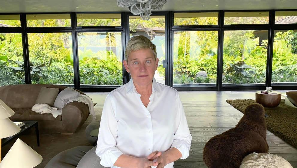 "Ellen DeGeneres bei dem ""IHeart Living Room Concert for America"" am 29. März 2020, bei dem Spenden für den Kampf gegen"