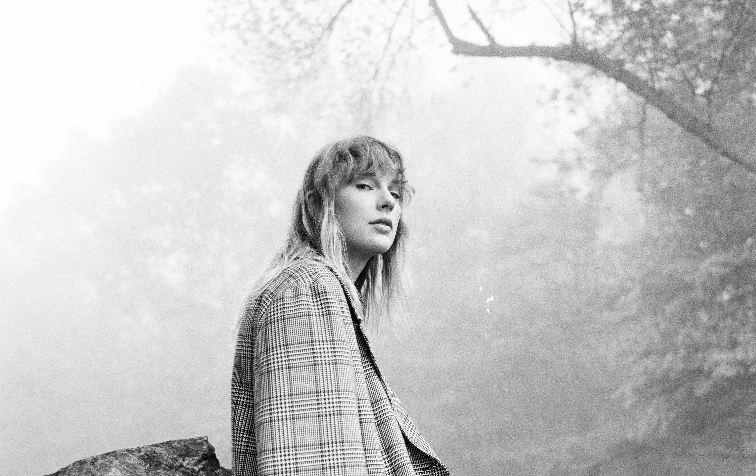 Taylor Swift präsentiert FOLKLORE-Livesessions via Disney+