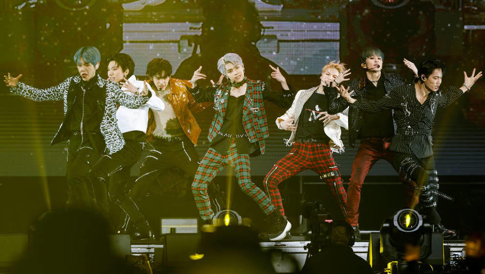 VANCOUVER, BRITISH COLUMBIA - FEBRUARY 06: Singers Taemin, Baekhyun, Kai, Taeyong, Ten, Mark and Lucas of K-pop supergroup Su
