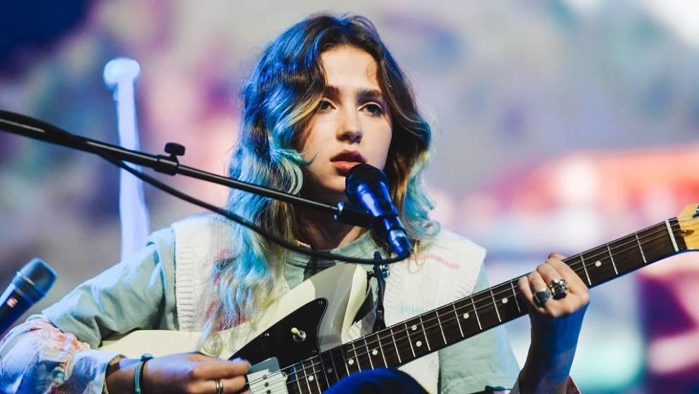 INGLEWOOD, CALIFORNIA - MARCH 10: Clairo performs at The Forum at The Forum on March 10, 2020 in Inglewood, California. (Phot