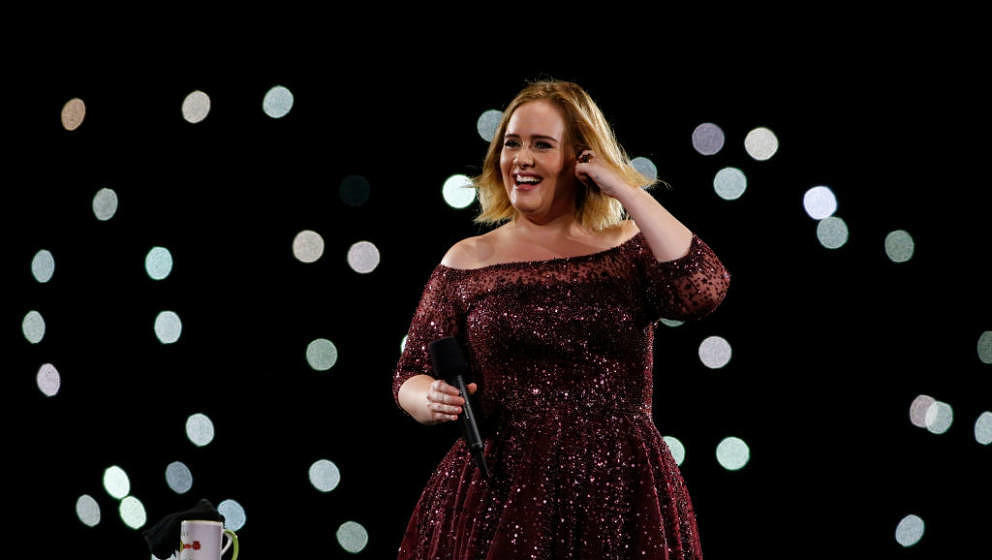 BRISBANE, AUSTRALIA - MARCH 04:  Adele performs at The Gabba on March 4, 2017 in Brisbane, Australia.  (Photo by Glenn Hunt/G