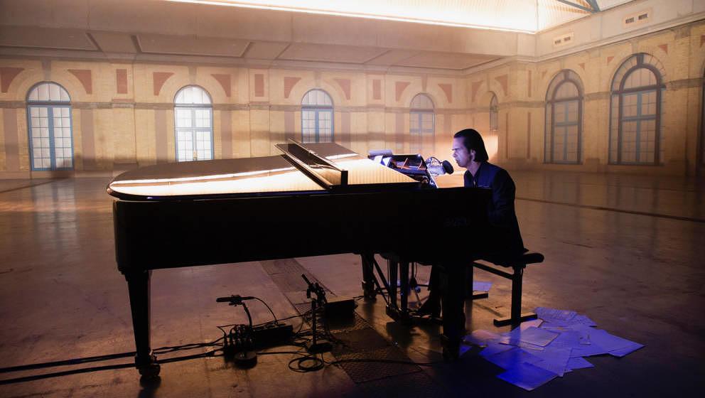 """Nick Cave hat """"Idiot Prayer"""" als Live-Album sowie als richtigen Kinofilm angekündigt."""