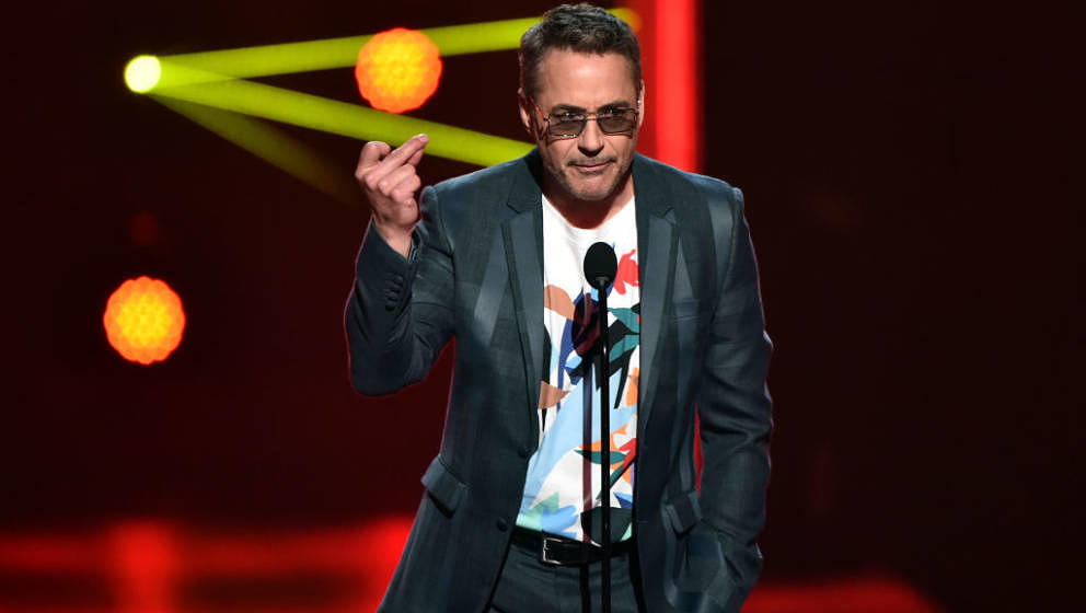 SANTA MONICA, CALIFORNIA - NOVEMBER 10: 2019 E! PEOPLE'S CHOICE AWARDS -- Pictured: Robert Downey Jr. speaks on stage during