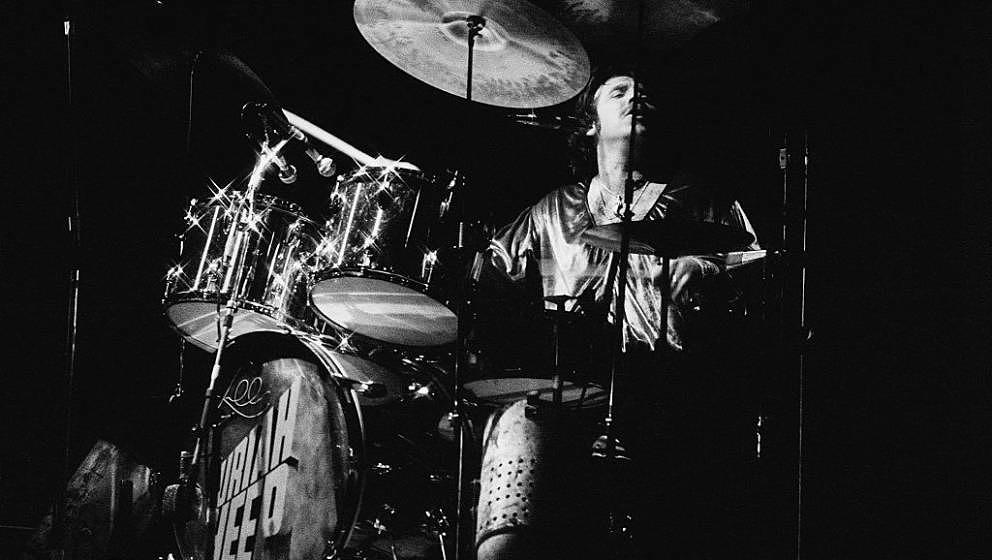 Lee Kerslake of Uriah Heep performing on stage at the Roundhouse, London, United Kingdom, 1976. (Photo by Erica Echenberg/Red