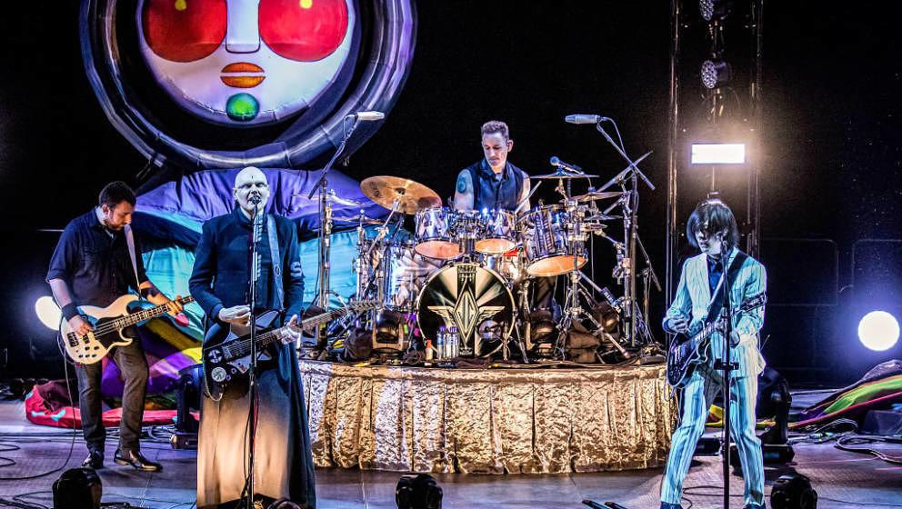 OSLO, NORWAY - MAY 30: (L-R) Jack Bates, Billy Corgan, Jimmy Chamberlin and James Iha of Smashing Pumpkins perform at Oslo Sp
