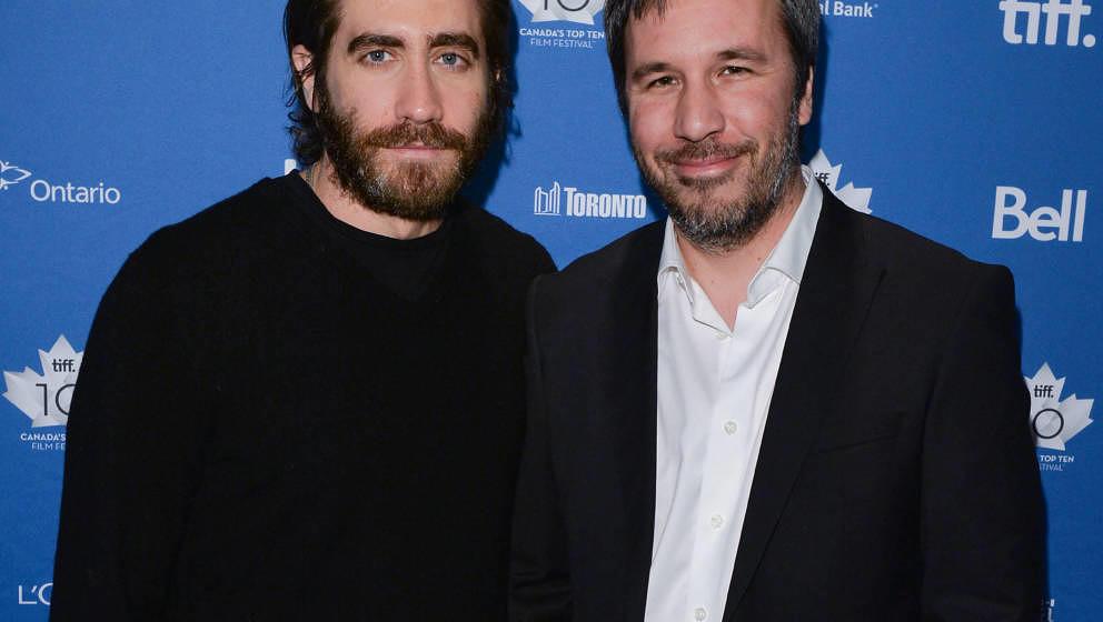 """Jake Gyllenhaal (links) und Denis Villeneuve (rechts) am 5. Januar 2014 bei einem Q&A für ihren Film """"Enemy"""" in Toronto,"""