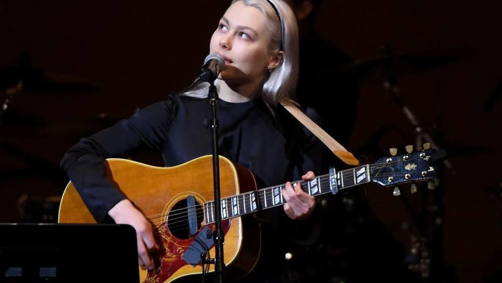 NEW YORK, NEW YORK - FEBRUARY 26: Phoebe Bridgers perform on stage during the 33nd Annual Tibet House US Benefit Concert &