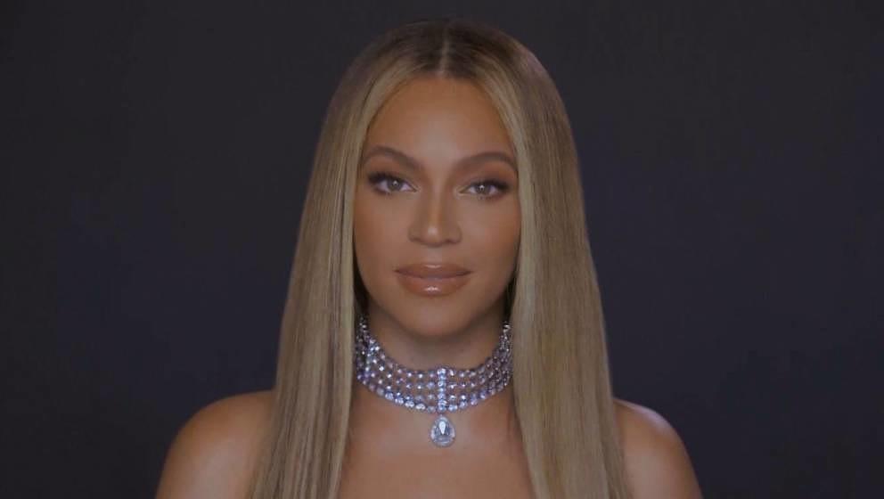 BET Awards 2020 - Beyonce accepting award. (Photo: BET) (BET Awards 2020 - Beyonce accepting award. (BET Awards 2020 - Beyonc