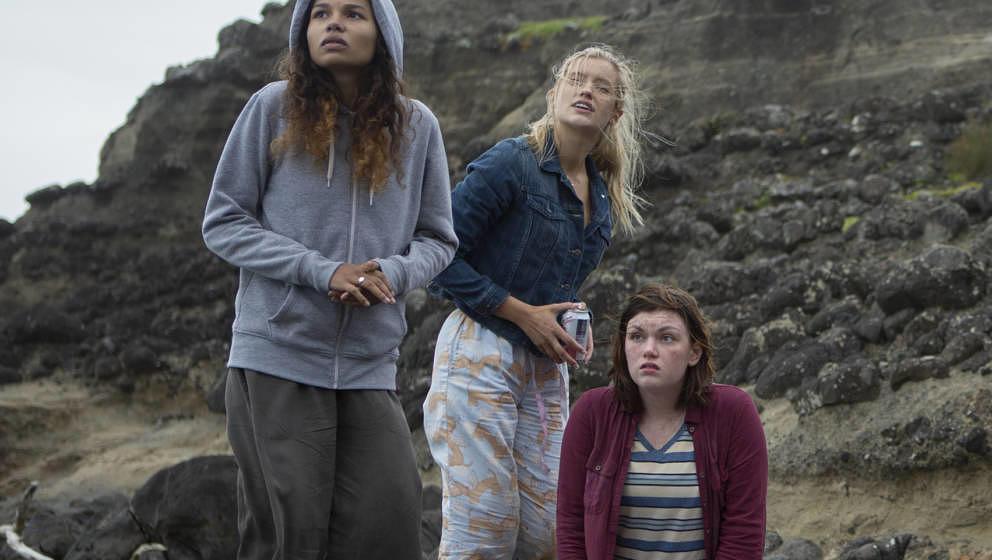 """Die Amazon Prime Video Teenie-Serie """"The Wilds"""" hält einen großen Plot Twist bereit: Die Mädchen sind nicht zufällig"""